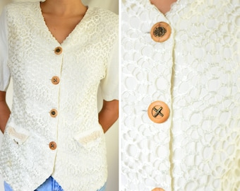 New Times 1990s button up half sleeve top | vintage nineties off white button-up cotton blouse with embroidered detail, small