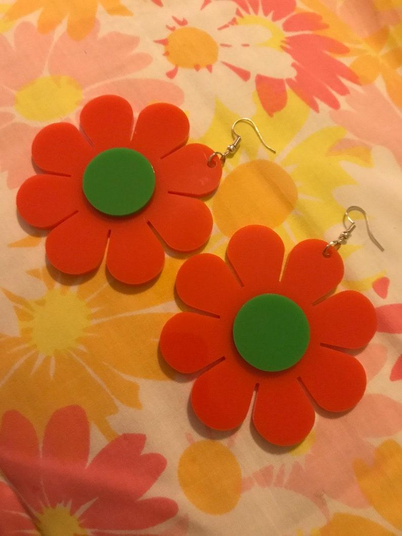 1960\u2019s style flower power krazy daisy psychedelic earrings