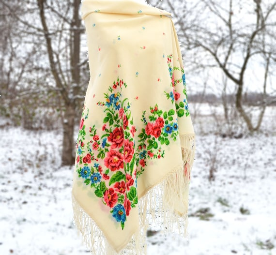 Antique piano shawl Soviet shawl Chale russe