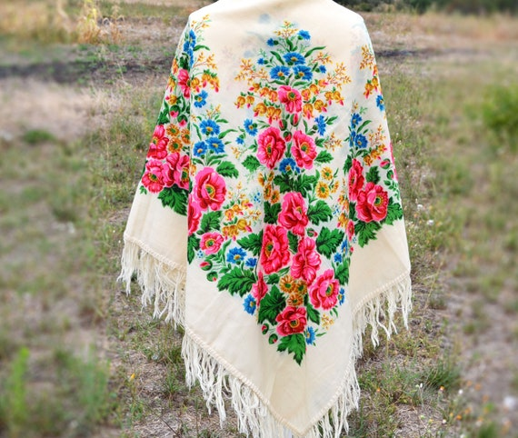 Piano shawl with fringe Chale russe Vintage shawl