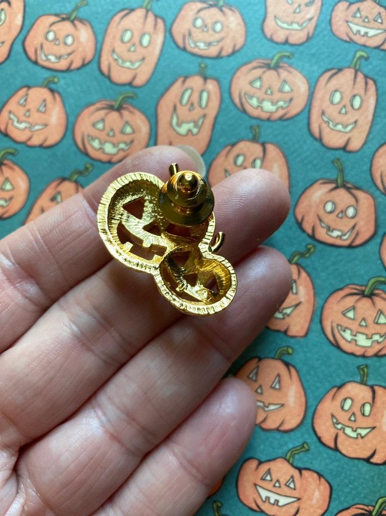 Vintage gold plated jackolantern brooch