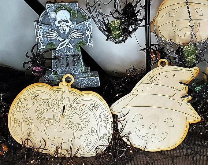 Halloween Hangers: Wood Paint Projects