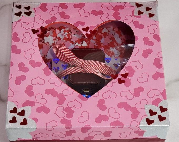 Medium Customizable Gift Box