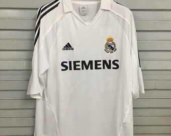 ad0fa75aee4 2006 Real Madrid Soccer Jersey Home Custome Name And Number
