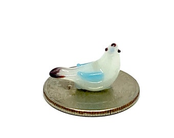 figurines glass sculptures in Venice since 1974 Lampworking tiny animal miniatures statuettes Micro glass rabbit with carrot