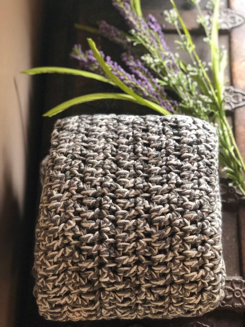 38 X 38 Chunky Crochet Gray /& White Baby Blanket
