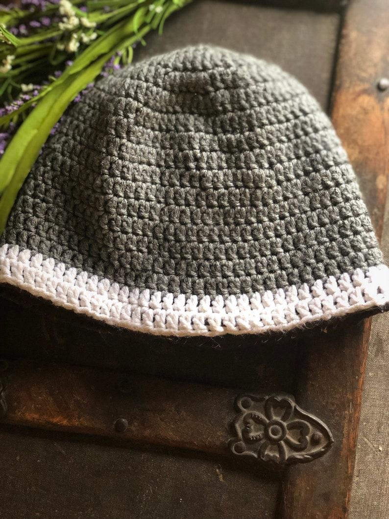 Teen-Adult Brown Fleece lined Crochet Gray wWhite Winter Hat