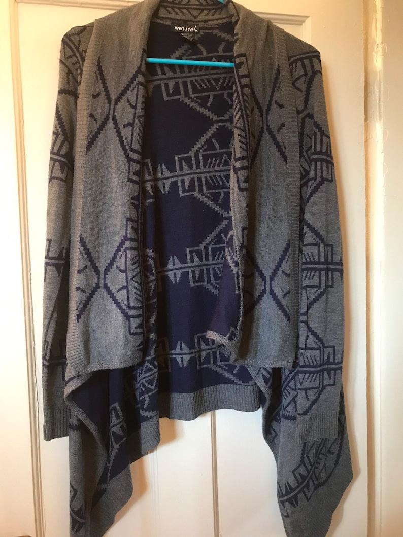 wet seal blue and grey aztec print long open cardigan size medium