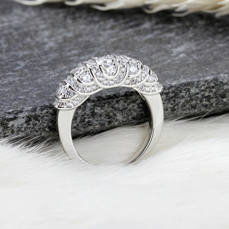 0.91 ctw Round Cut Man Made Sparkling Diamond Simulant Sterling Silver Promise Ring For Her Engagement  Ring Anniversary Ring