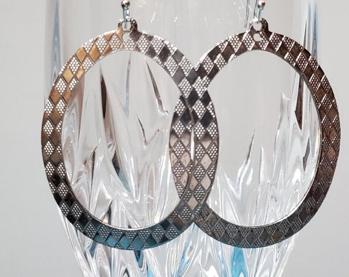Etched Hollow Oval Earrings