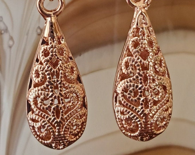 Stunning pierced rose gold filigree dangle earrings