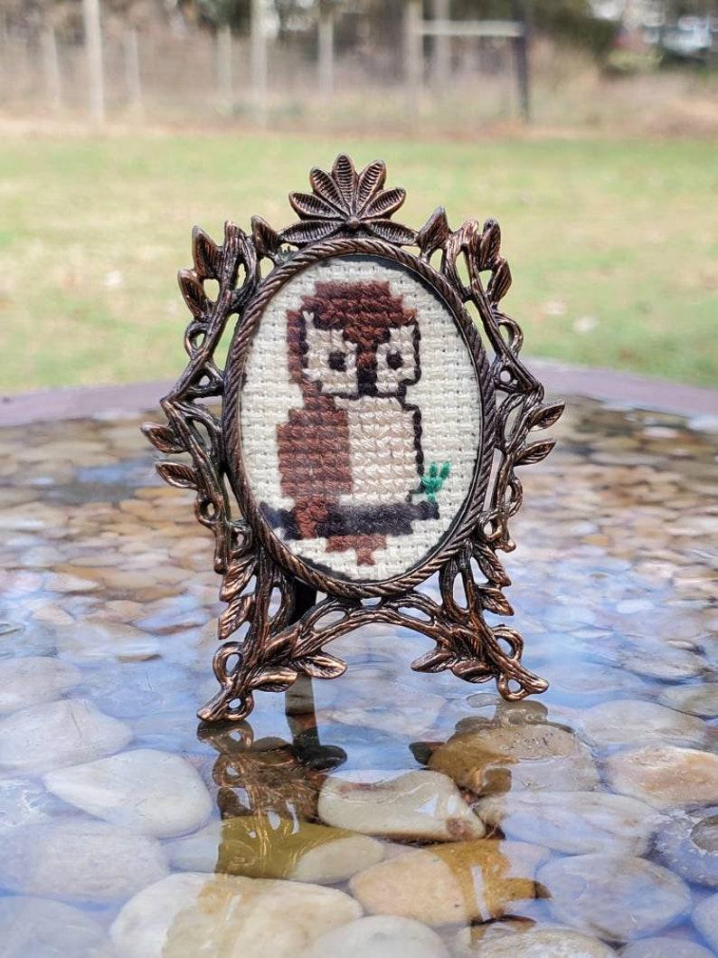 Owl Cross Stitch w Art Nouveau Leafy Oval Frame