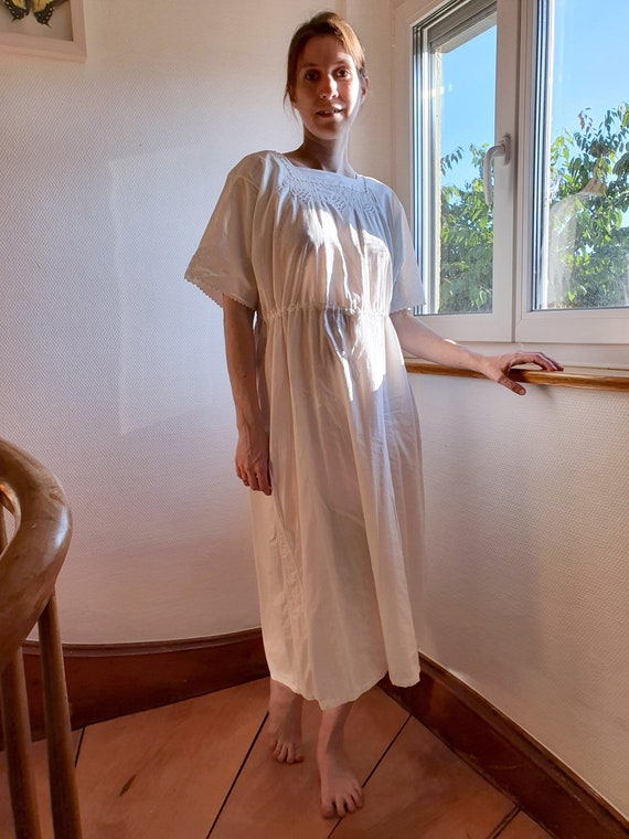 Antique White Cotton Nightgown with Short Sleeves