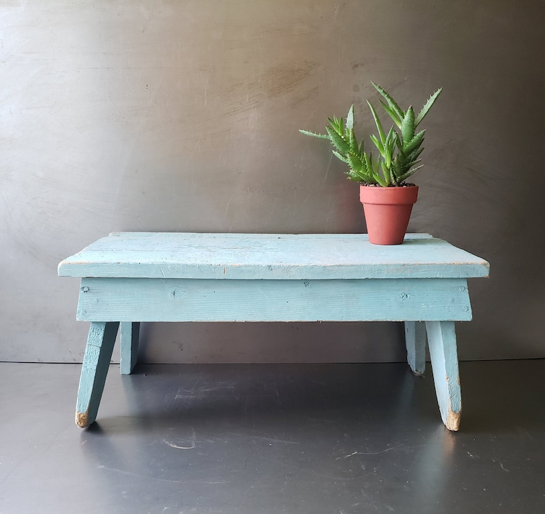 Astonishing Wooden Step Stool Wood Riser Small Primitive Bench Bralicious Painted Fabric Chair Ideas Braliciousco
