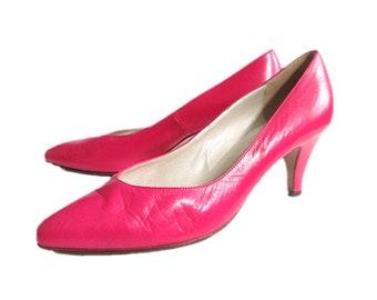 dd502700353a7 80's Peter Kaiser Pink Leather Heels