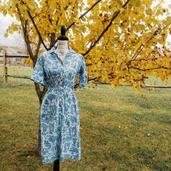 Vintage 1950s novelty print blue cotton work dress