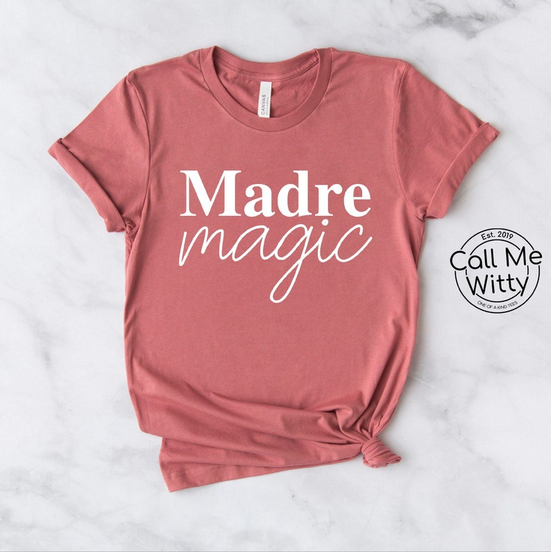 MOMLIFE Tshirt Queen Shirt Womens Blouse Funny Mama Tshirt Gift for Mom