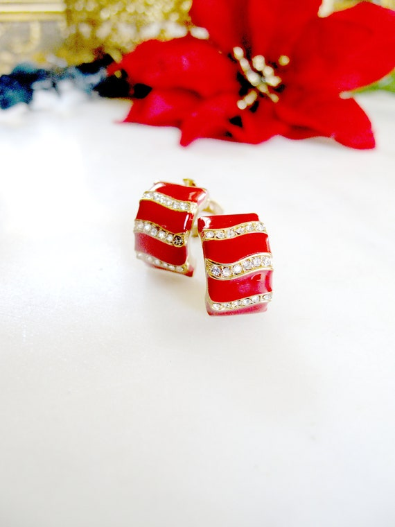 Joan Rivers- enamel- Red and white- Diamond- Candy