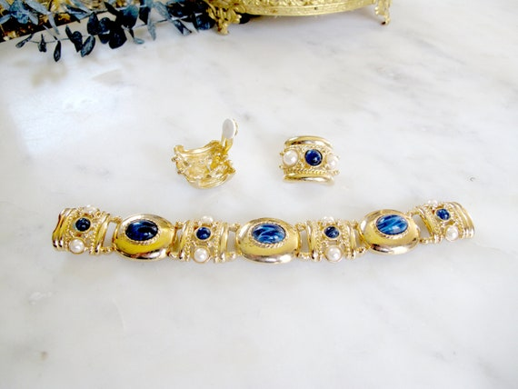 Vintage Joan Rivers Matching Blue and Gold Cabocho