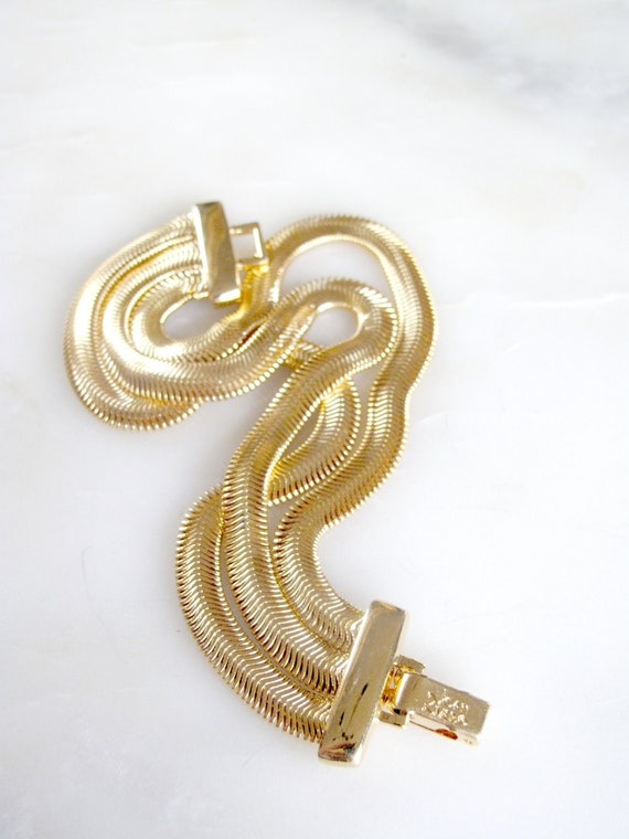 Vintage Joan Rivers Vintage Gold Serpentine Link 3