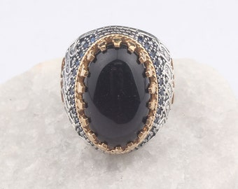 Silver and Tourmaline Ring Wonderful Vintage with Wood Bark Texture Q and Half
