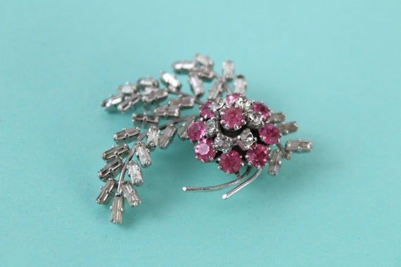 1950s NORMAN HARTNELL clear and pink rhinestone fl