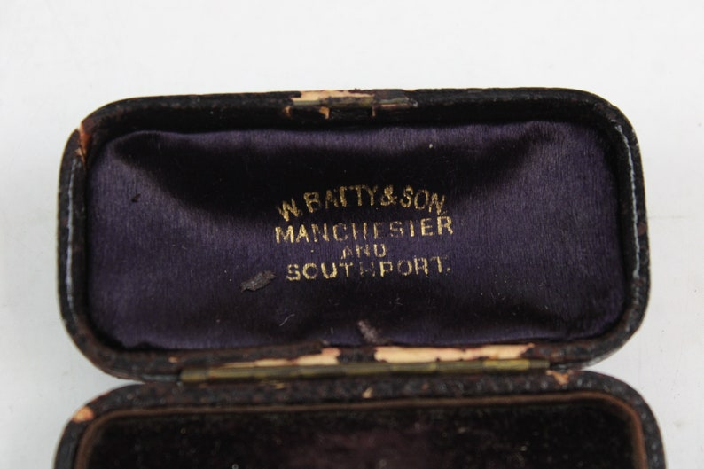 Batty /& Son Manchester Antique brooch box velvet lined fitted case by W