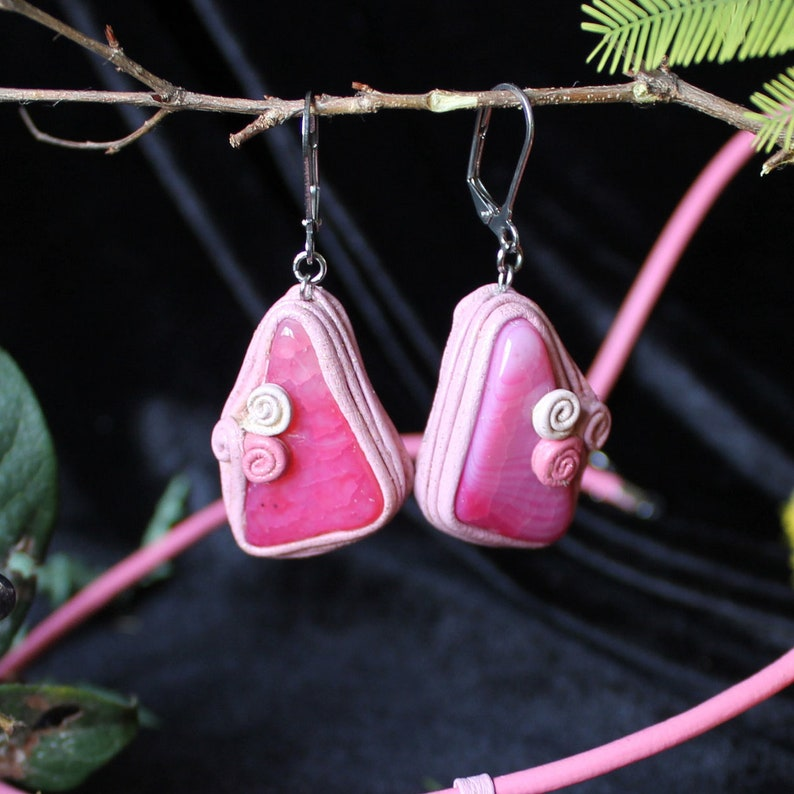 Pink large onyx Natural beads dangle Pink agate earrings Large agate earrings Summer earrings Pink gems earrings Leather pink dangle