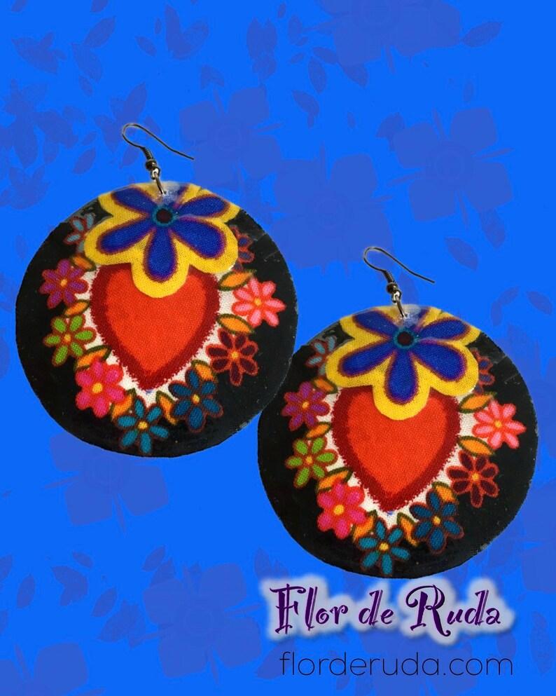 Large dangle shell earrings heart print
