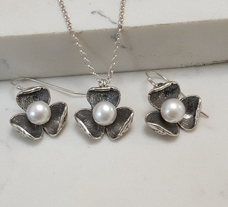 Flower Design Freshwater Pearl Ring and Earring Set in Oxidized 925 Sterling Silver by Paz Creations