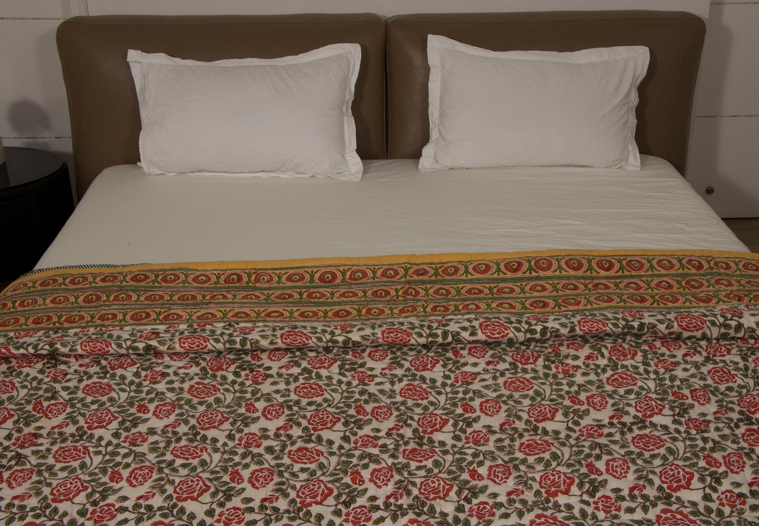 """Quilt Comforter- Block-printed Floral Quilt avec bordure - Floral Quilt - QUEEN SIZE 90» x 108""""réversible Blanket Coverlet"""