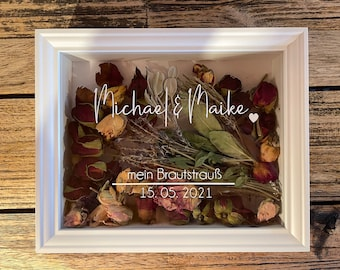 Beautiful deep frame for the bridal bouquet - fonts & background selectable. Own design possible. *Gift idea, wedding gift*