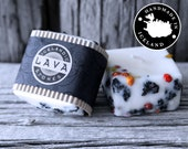 Icelandic Soy Wax Candle with Iceland Rowan berries and 2000 years old Lava stones. Handmade in Iceland.Husavik. Apple/cinnamon scent.