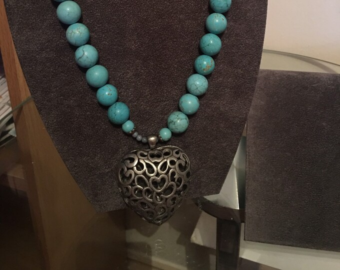 Featured listing image: Turquoise Bead Choker
