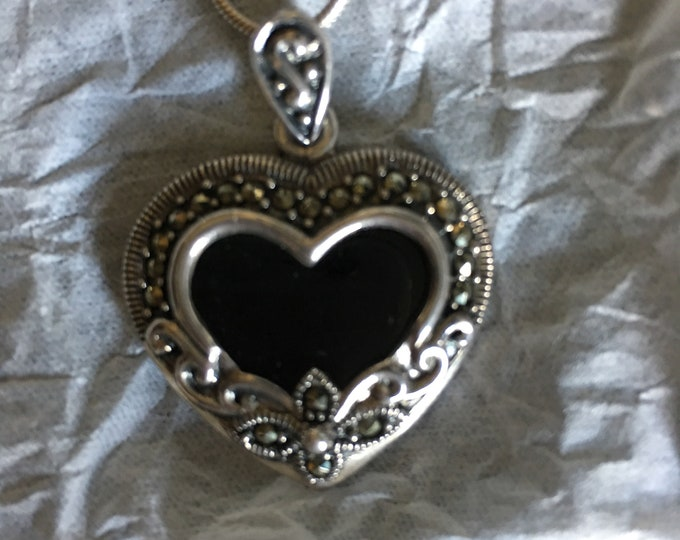 Featured listing image: Silver Heart Necklace