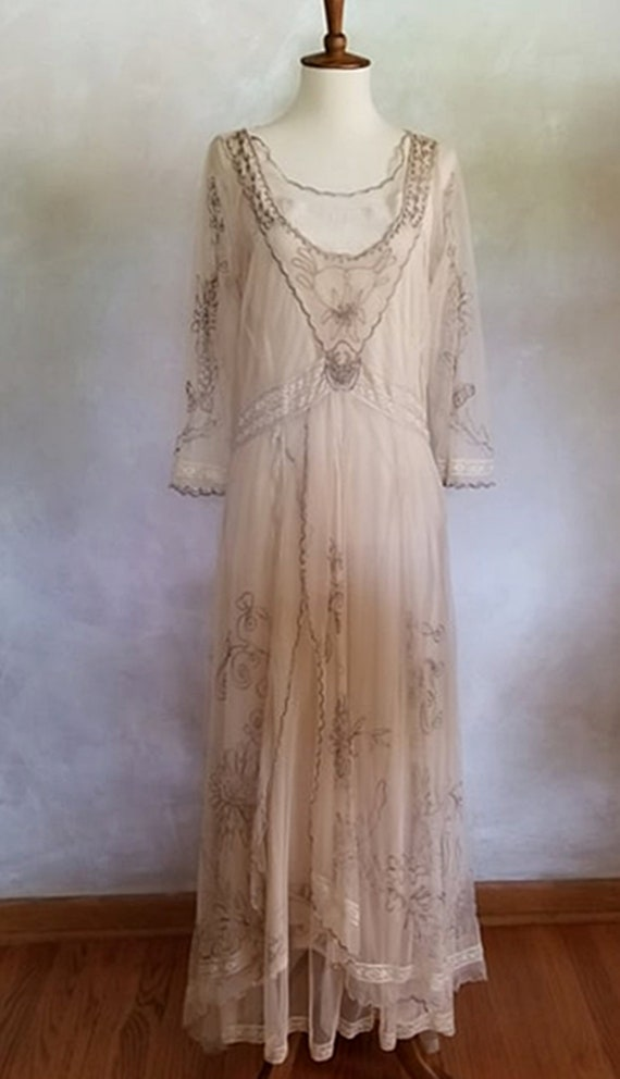 Vintage Styled Wedding Lace Embroidered  Styled Go
