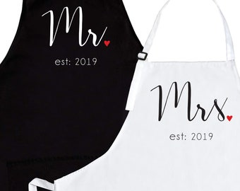 b52e1b0b41 Wedding Apron Set of 2 - Mr Mrs Est 2019 Aprons | Gift For Newlyweds  Anniversary Engagement Bridal Shower | His Hers Matching Couples Aprons