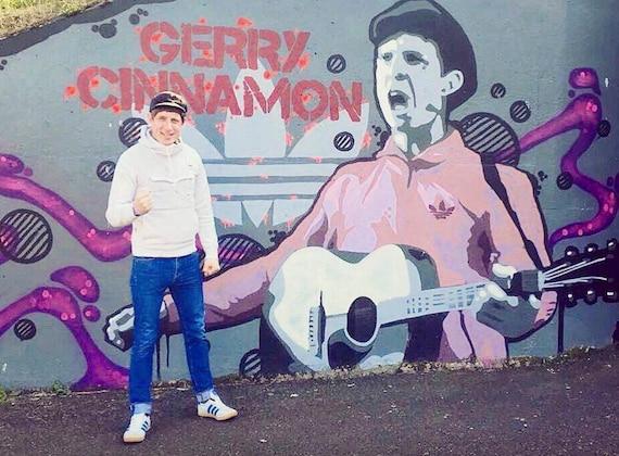 Gerry Cinnamon Graffiti  fans T Shirt see photo!
