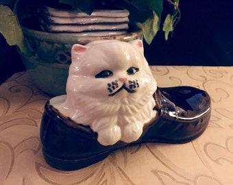 Kitten in Loafer / Vintage Ceramic Decorative Item