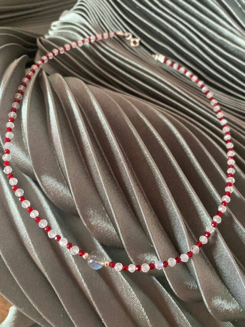 Delicate Beaded Stones Christmas Woman Gift Moonstone Spinel Labrador Silver Candy Choker Red White New Year Necklace