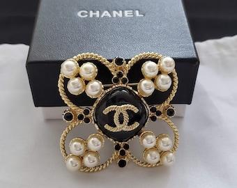 2ba1330dfb6f Antique Chanel Brooch / Pin CC Logo