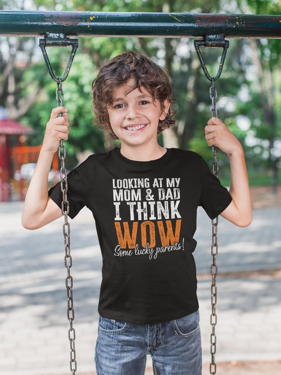 Lustige Kinder Shirt Blick auf meine Mutter und Papa denke