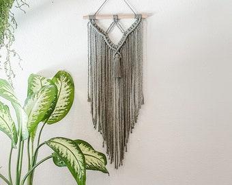 Minimal Macrame Wall Hanging  / Minimalist Decor / Boho Home Decor / Woven Hanging / Wall Tapestry / Woven Wall Art /  Nursery Wall Decor