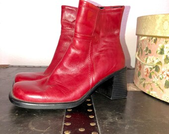 9e2308bc8ab Vintage boots | Etsy