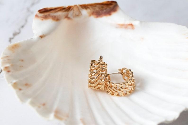 Huggie Hoop Earrings Large Everyday Hoops Very Thick Chain Hoop Earrings Gold Chunky Medium Sized Twisted Hoops Gold Filled Hoops