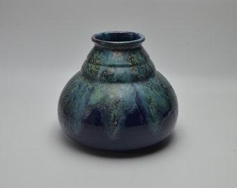 Blue ceramic art de Art piriform piriform vase for The Primavera Workshop