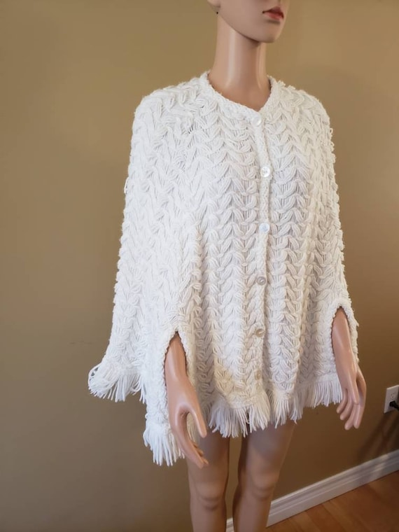 Knitted  70's Knitted Poncho/Cape in white