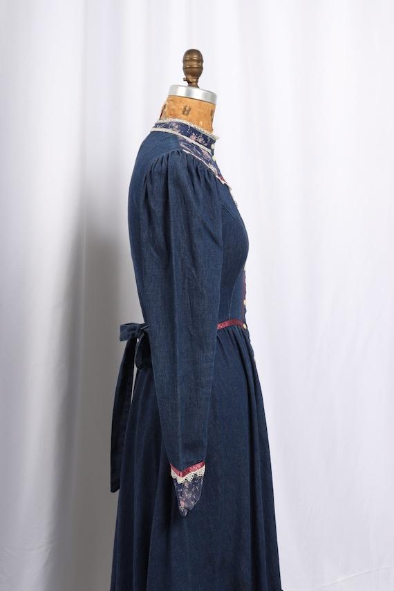 Vintage 1970s Gunne Sax Denim and Calico Dress, R… - image 8