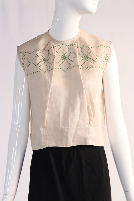 Vintage 1970s Cream Top with Green Embroidery