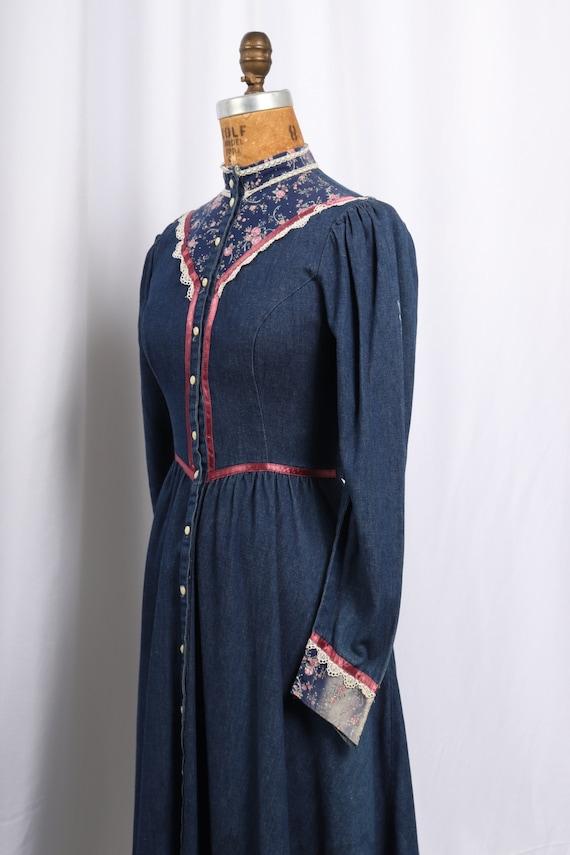 Vintage 1970s Gunne Sax Denim and Calico Dress, R… - image 4